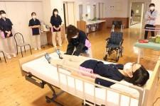 ニッケあすも一宮 「腰痛予防のための移乗方法」の画像